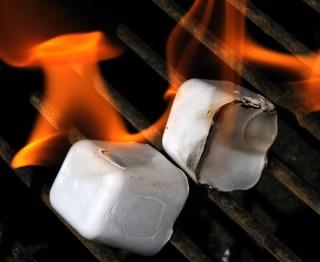 Weber Holzkohlegrill Anzünden : Grill anzünden brandheiße tipps für deinen grill männersache